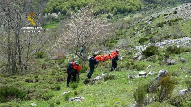 La Guardia Civil rescata a una senderista accidentada en las inmediaciones del Pico Peñas Pintas