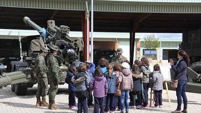 León celebrará el día de las Fuerzas Armadas con puertas abiertas y una jura de bandera