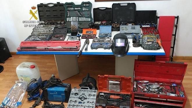 Detenido un vecino de Ponferrada por robar 5.800 euros en herramientas en una pizarrera