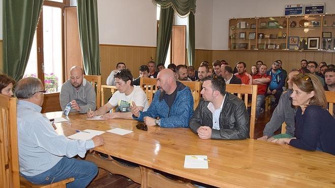El Ayuntamiento de La Bañeza apoyará legalmente a los trabajadores de Embutidos Rodríguez