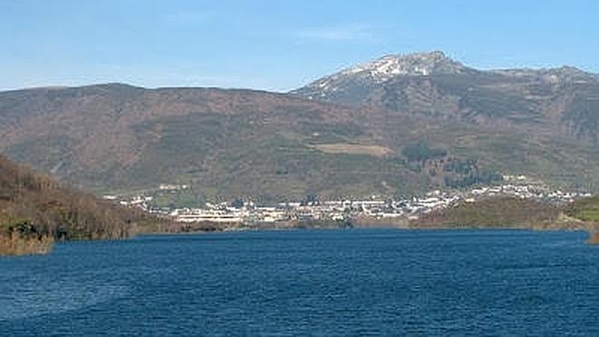 Leitariegos Existe reclama que se permita utilizar piraguas en el pantano de Las Rozas