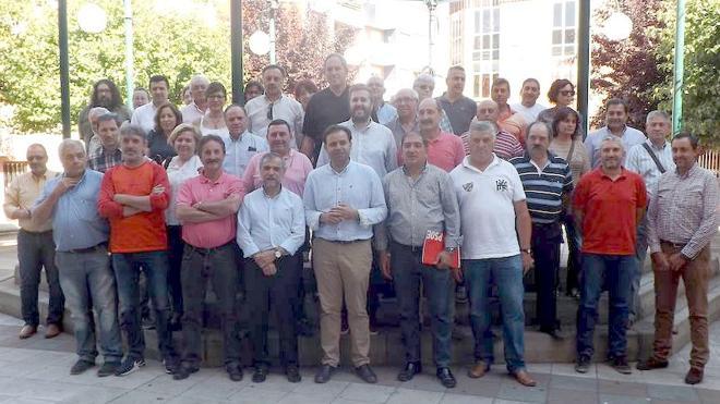 Frente común de alcaldes y pedáneos socialistas en defensa de una red de parques de bomberos profesionales