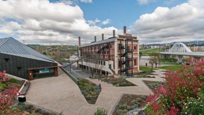 La Fábrica de Luz de Ponferrada celebra su quinto aniversario con una visita guiada por antiguos trabajadores de MSP