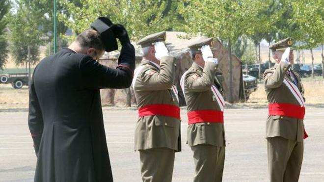 El Ejército incorporará clérigos musulmanes y curas protestantes