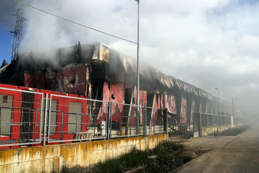 La Junta declara de 'situación extraordinaria' el incendio de Embutidos Rodríguez como paso previo a las medidas de apoyo