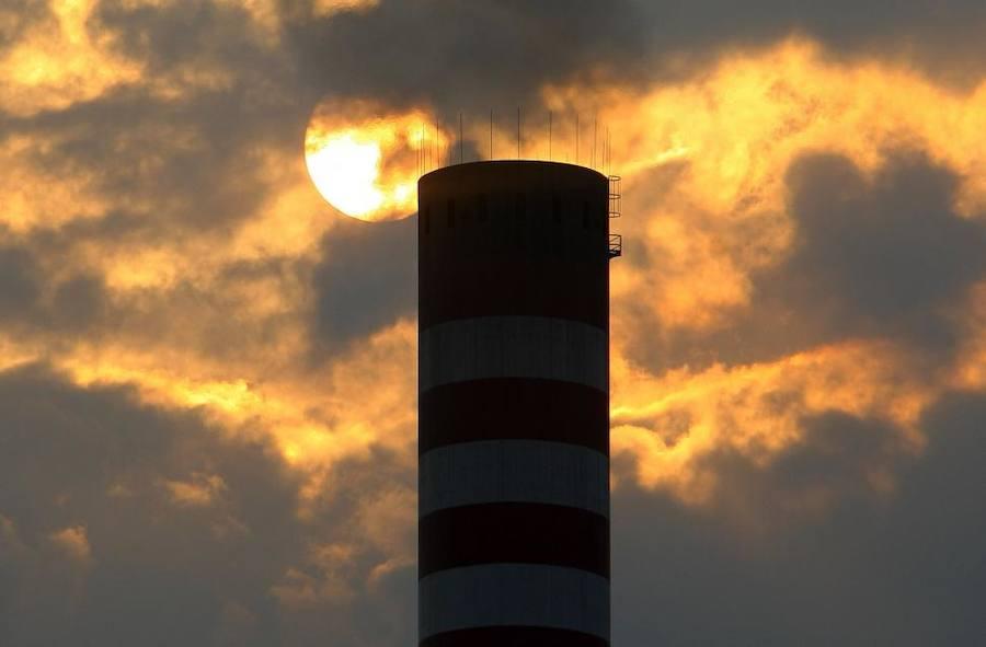 El PSOE propone al Congreso bonificar el impuesto al carbón que cumpla la normativa ambiental