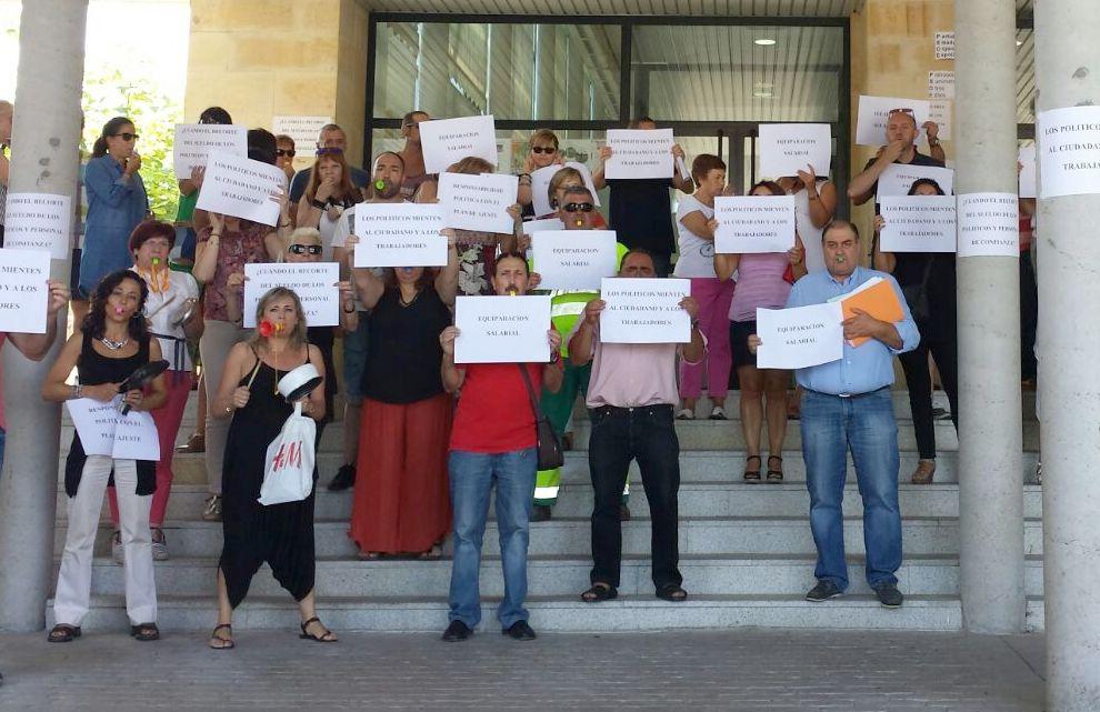 Los trabajadores de San Andrés vuelven a la calle para recharzar los recortes