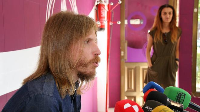 Pablo Fernández pide al PSOE que abra la puerta a la negociación porque «los números si dan»