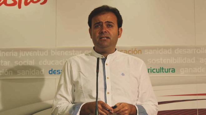 Tino Rodríguez pide al PP que demuestre con documentos que el alcalde de Puebla de Lillo ya no está en las filas del partido