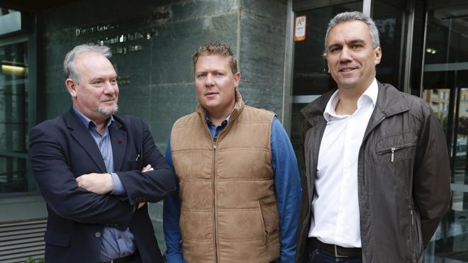 El PSOE denuncia ocultación de datos y pide a Herrera que desbloquee la comisión de la trama eólica