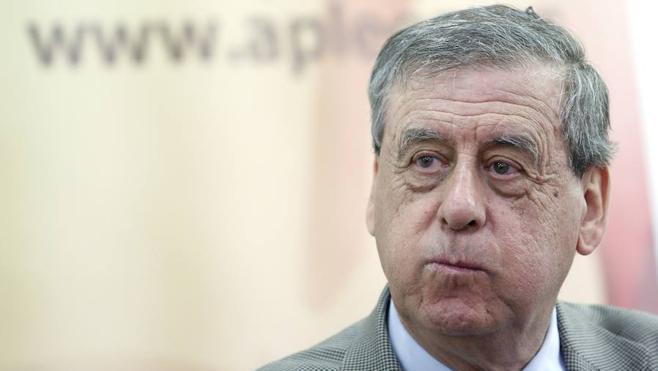 El leonés Sosa-Wagner descarta entrar en Ciudadanos y asegura que su apoyo a Albert Rivera se debe a una cuestión puntual