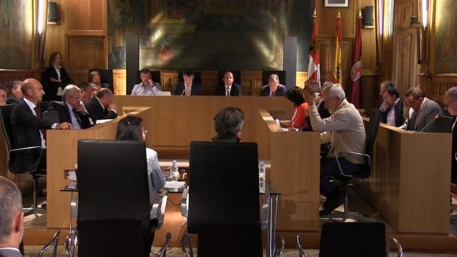La Diputación destina 6.000 euros a construir un helipuerto en San Emiliano y promete más instalaciones de este tipo en la provincia