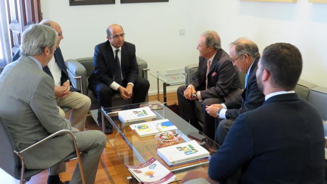 La Diputación apuesta por León como sede del próximo congreso de la UNAV