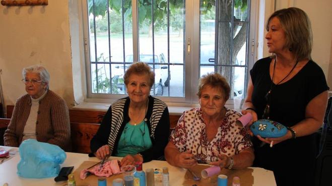 El impagable valor de dar vida a los mayores del mundo rural