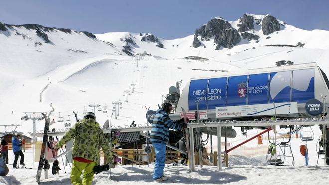 León y Asturias potencian el uso y la promoción conjunta de las cuatro estaciones invernales