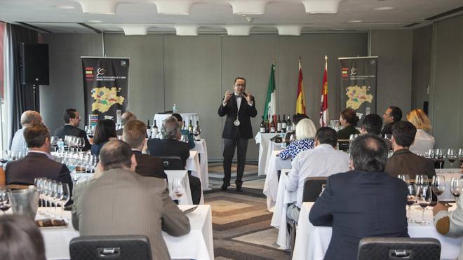 Castilla y León exhibe la calidad de sus vinos de cinco D.O. ante profesionales del sector en México