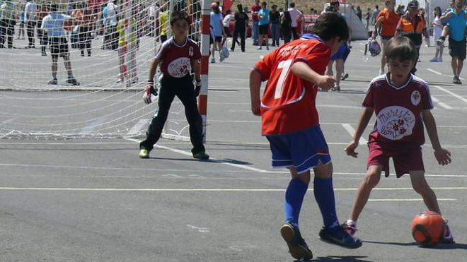 La Diputación dedica 185.000 euros al desarrollo del deporte escolar