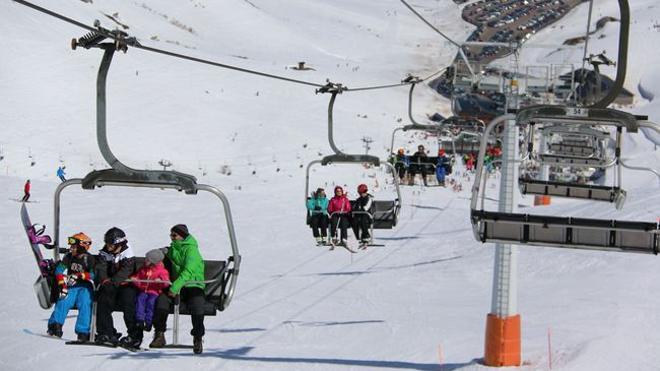 León iniciará la campaña de esquí el 1 de diciembre y prevé cerrarla el 16 de abril