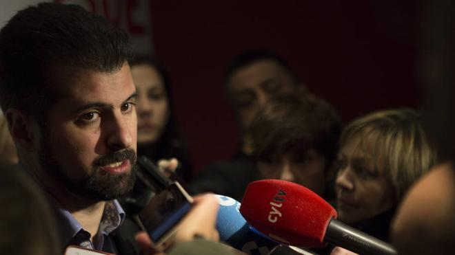Tudanca exige primarias y congreso ordinario y asegura no importarle «en absoluto» su futuro «personal ni político» en el PSOE