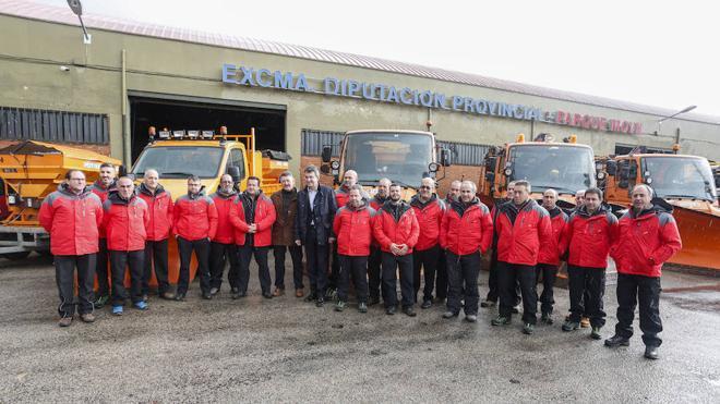 La Diputación de León dispone de 45 vehículos y 36 trabajadores para el Plan de Vialidad Invernal