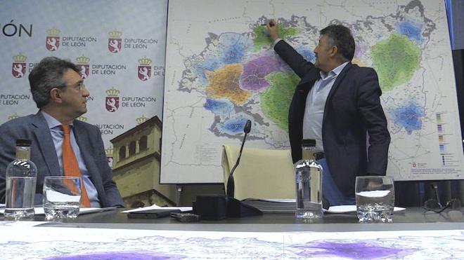 La Diputación teje una red provincial de Bomberos con seis parques, 75 profesionales y 21 vehículos