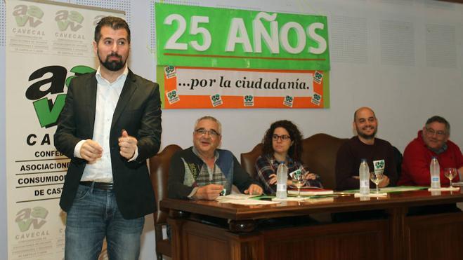 Tudanca aboga por un mecanismo de participación ciudadana específico en la Junta y en las Cortes para canalizar las iniciativas políticas