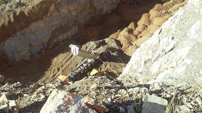 Denuncian a Acciona y FCC por usar el vertedero de la Hullera para acumular restos de obra procedentes de los túneles de Pajares