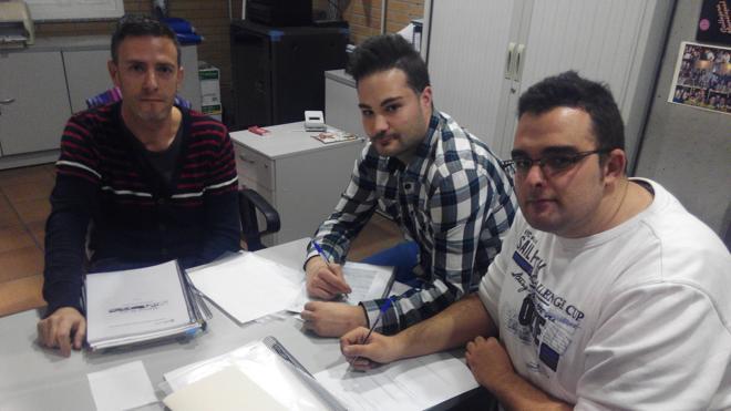 Las Juventudes Socialistas de Villaquilambre 'firman' por un instituto