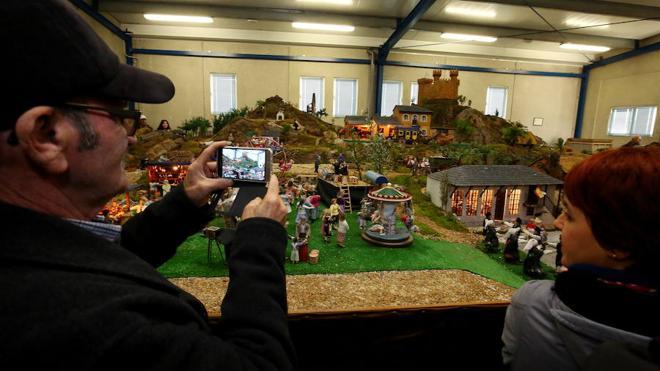 Los belenes artesanos visten la Navidad del Bierzo