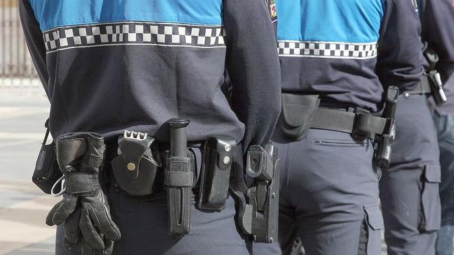 La Policía Local de León podrá prejubilar en 2017 a 13 mandos y 20 agentes tras el acuerdo de Empleo