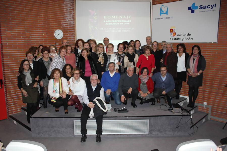 El Área de salud del Bierzo homenajea a los 39 trabajadores jubilados