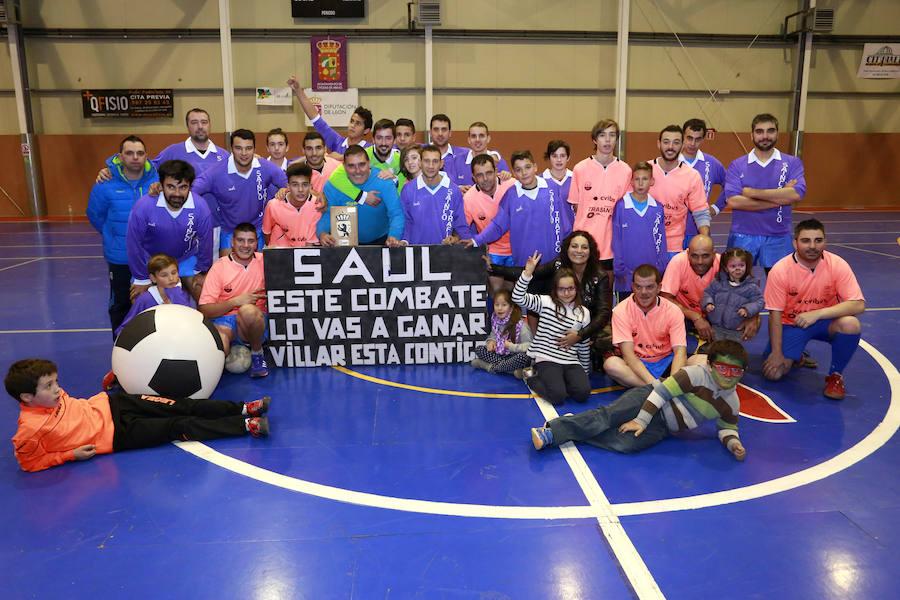 Villar de Mazarife viste de solidaridad