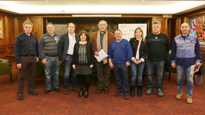 Acuerdo unánime entre Ayuntamiento y sindicatos para la mejora de los empleados públicos municipales