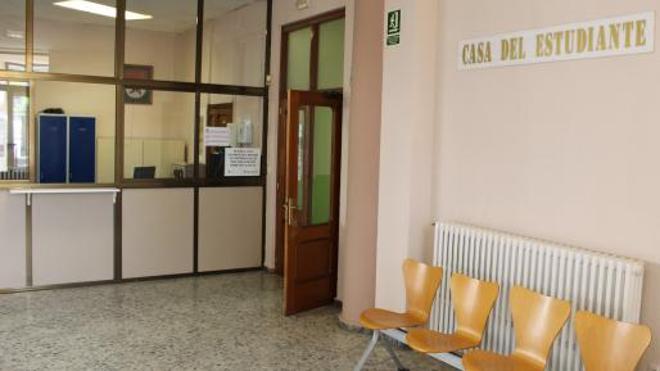 La ULE defiende que abrirá el viernes el segundo piso de la Casa del Estudiante