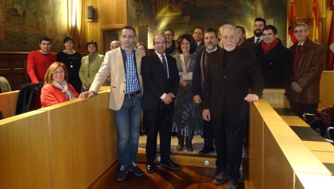 La Diputación recibe a los asistentes a la entrega del Premio Internacional Aymeric Picaud