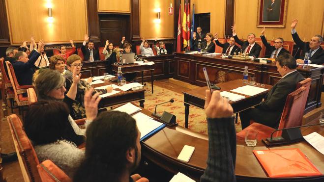 32 años y 8 corporaciones más tarde el Ayuntamiento de León aprueba por unanimidad su RPT