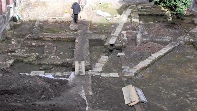 Patrimonio acuerda la continuidad de la excavación arqueológica en el patio sur del Seminario de León