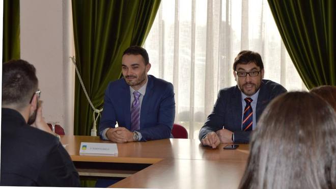 El vicerrector de la ULE Roberto Baelo inauguró la 'IX Jornada de orientación universitaria' de Peñacorada