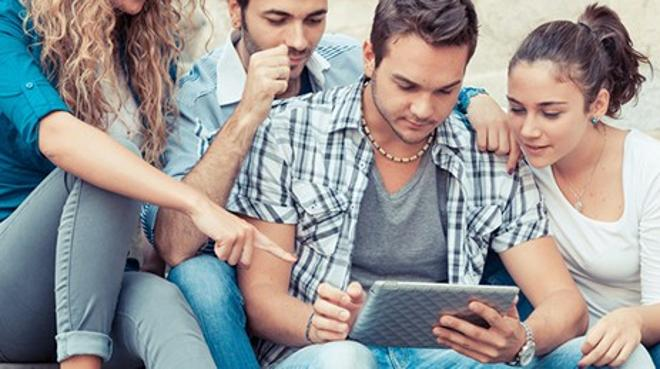 Casi la totalidad de los jóvenes de entre 10 y 24 años de Castilla y León utilizan las tecnologías de la información a diario
