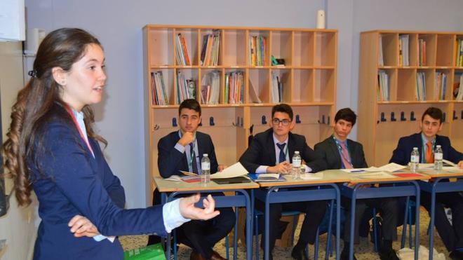 Jóvenes de toda España debaten en Peñacorada los grandes temas de Europa