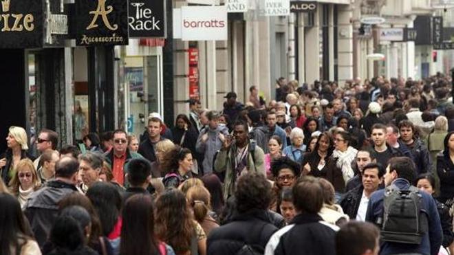 El número de leoneses residentes en el extranjero se eleva un 1,9% en el último año, hasta las 51.290 personas