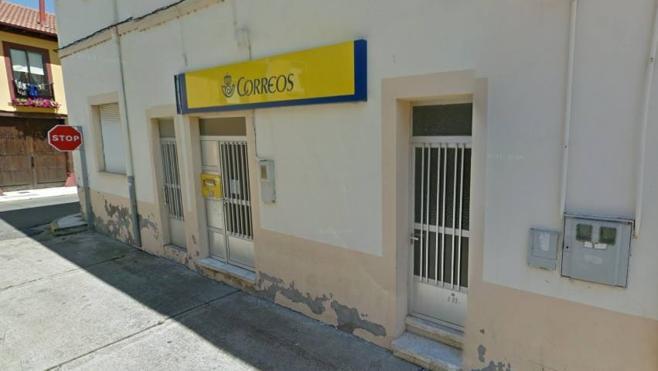 Trabajadores de la reforma de Correos en Carrizo reclaman cerca de 20.000 euros no abonados por la obra