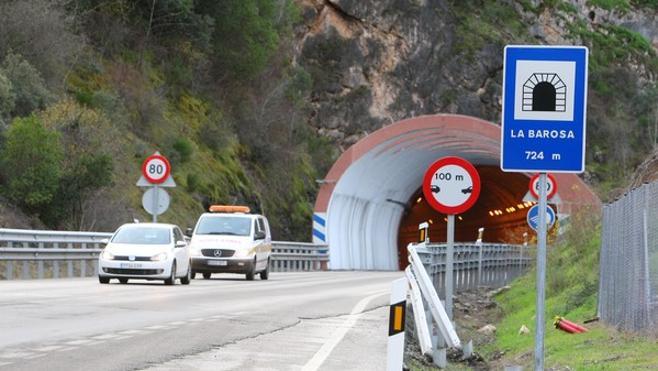 Fomento adjudica por 1,8 millones la redacción del proyecto del tercer tramo de la A-76 entre Requejo y A Veiga