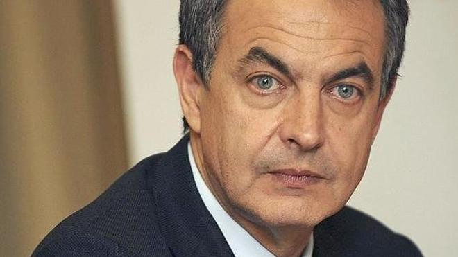 Zapatero revisa la situación de la provincia con la mirada en la memoria histórica y la minería