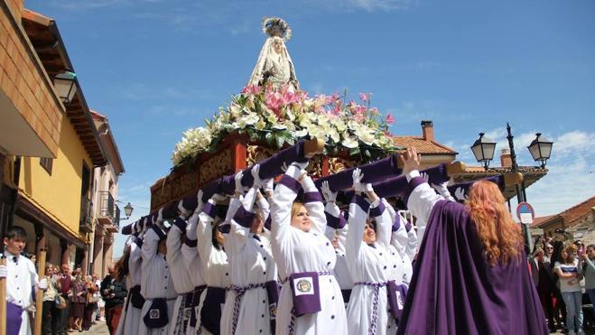 Santa Marina del Rey exalta su gran Pasión