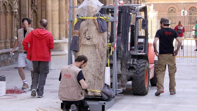 La historia de las estatuas góticas de la Catedral: nueve años de silencio