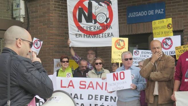 Navatejera se opone a una central de biomasa que «será 25 veces más potente» que la de Cantamilanos